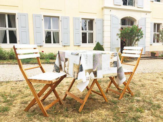 Wachstuch auf Tisch - Rittergut-Park Ermlitz